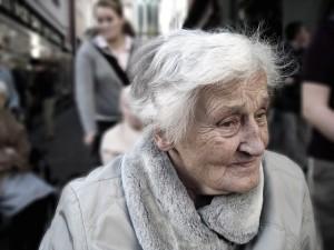 Alzheimer_dependent-100343_640
